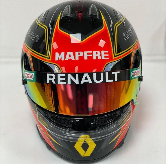 Эстебан Окон представил новый шлем