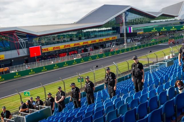 Британская полиция предупредила болельщиков