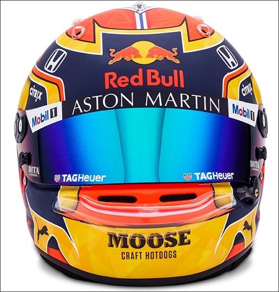 Алекс Элбон представил новую раскраску шлема